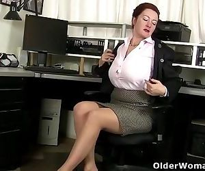 American milf Jessica unleashes her hidden horninessHD