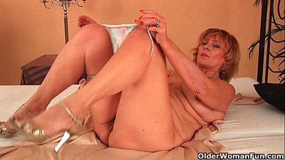 Plump grandma fucks his cock with her unshaven pussy - 5 min HD