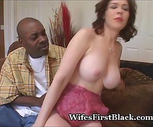 Wifes Pussy Squeezing Black Cum Out - 5 min