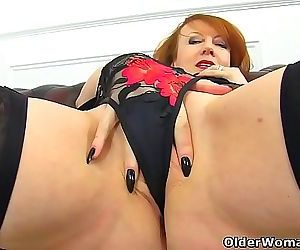 English milf Red probes her fanny with two fingers 12 min 720p