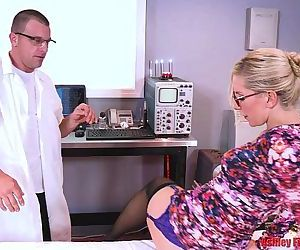 Dr Mom Gets DPed By Brother And Son HD
