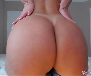 Mature With Perfect Ass 23 min 1080p