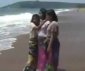Indian Babe sex with tourist 24 min