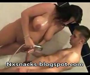 Mamma Getting Fucked By Young Stud in Kitchen 3NXsnacks