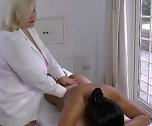 LACEYSTARRLesbian Massage with Amyka Lee 10 min 1080p