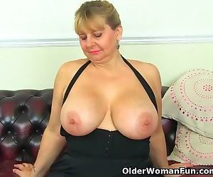 Big titted milf Alexa from the UK doesnt wear knickers today