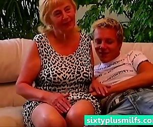 Teen boy seduced plump granny - 3 min