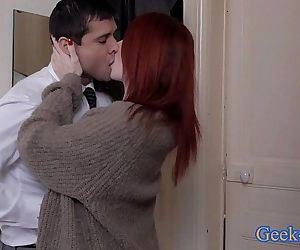 Lucky young guy gets nice milf to fuck - 9 min HD