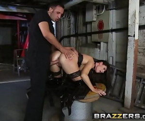 BrazzersReal Wife Stories(India Summer)Deep In The Bowels of India 8 min 720p