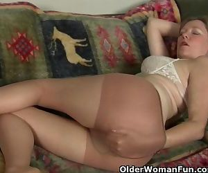 Mom\'s pussy gets so wet in pantyhose